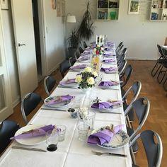 Borddeko navngivning fest syrenfarvet lilla dymo lillatema