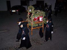 Fiestas Valle de Lecrín - El entierro de la Zorra ¡Pues si lo que veis! El entierro de la Zorra. No de la Sardina ni nada de eso, de una Zorra desecada y muy simbólica para el pueblo de Nigüelas.