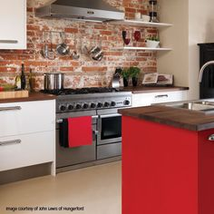 We love the commercial vs rustic charm clash of the CKR against brick. A Falcon cooker is a binding ingredient when experimenting with clashing colours and textures.