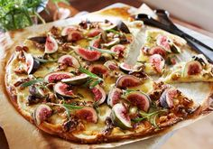 Naan Pizza, Fig Recipes, Cheddar, Vegetable Pizza, Tapas, Vegetables, Food, Cheddar Cheese, Essen