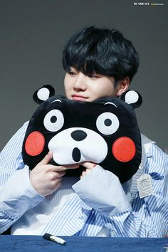 Suga and Kumamon!!! Long time no see~ ❤ BTS Sinchon Fansign (170225) #BTS #방탄소년단