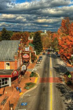 Travel | Virginia | Attractions | USA | East Coast | Small Towns | Places To Visit | Day Trips | Weekend Getaway | Road Trips | Things To Do | Vacations | Destinations | Main Streets | What To Do | Hidden Gems