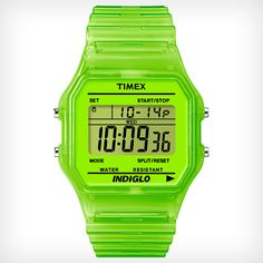 The refined 80's retro style of the Timex classic digital watch makes it easy to add a bold, modern finish to your wardrobe.