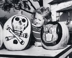 Painted Halloween pumpkins, 1956. #vintage #1950s #Halloween