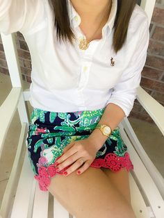 Monogram necklace & Lilly