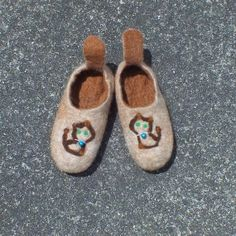 Felted Slippers Alpaca Felt wool Felted kids footware todlers shoes booties Finest Wool Natural White and Brown  with needle felted picture