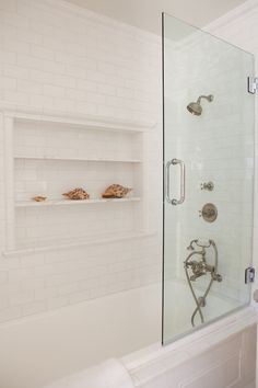 Shower Niche Glass Shelves - Design photos, ideas and inspiration. Amazing gallery of interior design and decorating ideas of Shower Niche Glass Shelves in bathrooms by elite interior designers. Bathroom Niche, Shower Niche, Tub Shower Combo, Glass Shower Doors, Shower Tub, White Shower, Tub With Glass Door, Bathroom Ideas, Subway Tile In Shower