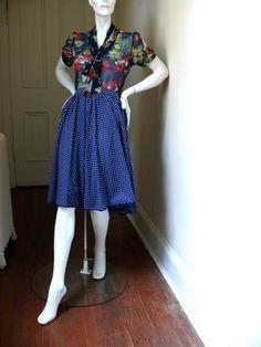 NEW*LISTING Vintage Full Circle Skirt in Navy & White - Polka Dots!  xx