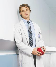 """I got Dr. Robert Chase! What """"House, M.D."""" Character Are You?"""