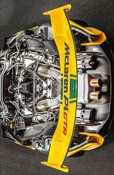 (°!°) McLaren P1 GTR, rear Clamshell removed