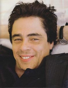 "Sorry but some ppl don't get the ""Benecio del Toro"" thing.  I COMPLETELY do!!  Ahhhh Benecio!!  #sexy"