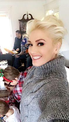 "socialshefani: ""Gwen // 12.24.2016 """
