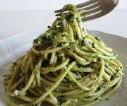 spaghetti al pesto Veggie Recipes Healthy, Go Veggie, Vegetarian Recipes, Rice Pasta, Pesto Recipe, Light Recipes, International Recipes, Going Vegan, Italian Recipes