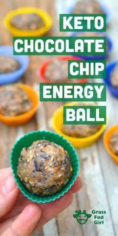 Keto Chocolate Chip Energy Ball Recipe (Low Carb, Paleo, Gluten Free, Vegan, Nut Free) | www.grassfedgirl....