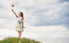 fotografias de comunión de galart fotografos (3) Girl Photo Shoots, Girl Photos, Poses, First Communion, Children Photography, White Dress, Flower Girl Dresses, Ballet Skirt, Photoshoot