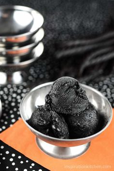 This Black Licorice Ice Cream is rich, decadent and creamy with a luxurious black licorice flavor that your mouth will fall in love with. Yummy Ice Cream, Ice Cream Flavors, Homemade Ice Cream, Ice Cream Recipes, Frozen Desserts, Frozen Treats, Just Desserts, Licorice Ice Cream, Black Licorice
