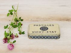 French Vintage Vichy tin, Collectible, Vichy France