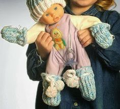 The Knifty Knitter: Baby Mitts for the Flower Loom