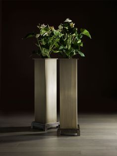 Narciso planter, Bellavista Collection.