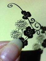 paper cutting flower by Thessatoria