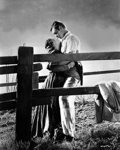 Vivien Leigh & Clark Gable Characters: Scarlett O'Hara - Their Daughter, Rhett Butler - a Visitor from Charleston Film: Gone With The Wind (USA Director:. Go To Movies, Old Movies, Vintage Movies, Great Movies, Vivien Leigh, Classic Hollywood, Old Hollywood, Hollywood Stars, Film Mythique