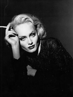 sidrago:   Amber Valletta - Una Lady italiana