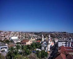Imagem de Oliveira - MG na manhã de sexta - feira,12/08. Acompanhe ao vivo: www.climaaovivo.com.br