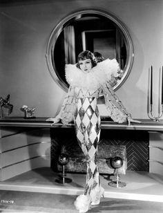 Travis Banton - Claudette Colbert, Tonight is ours - 1933