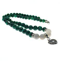 Náhrdelník z korálků přírodních minerálů malachitu a bílého achátu. Labradorite, Beaded Bracelets, Jewelry, Fashion, Malachite, Moda, Jewlery, Jewerly, Fashion Styles