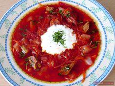 Eigentlich ist Borschtsch ein ukrainischer Eintopf. Oft wird Borschtsch jedoch eher mit der russischen Küche in Verbindung gebracht und ist als die russische rote Suppe bekannt. Kein Wunder -…