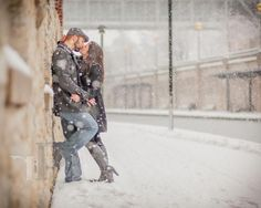 Cute Winter Engagement Picture Ideas | Fashion Inspirations Style