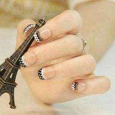 Lace patterns are inherently romantic and have a rich history. Take a look at these Fashionable Lace Nail Art Designs. Use your imagination to create your own lace nail art right now. Fabulous Nails, Gorgeous Nails, Pretty Nails, Lace Nail Design, Lace Nail Art, Nails Design, Lace Art, Design Design, White Nail Designs