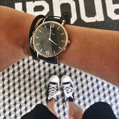 see in black and white, think in greys, but love in colors. @barbaraschoumacher wearing her Campus All Black watch | kapten-son.com