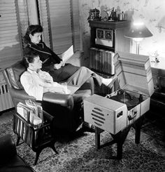 Frank Sinatra and his wife Nancy Sinatra listening to music in their home in 1943.