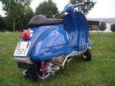 V Classics Motorcycles: Vespa 200 DS (Azul)