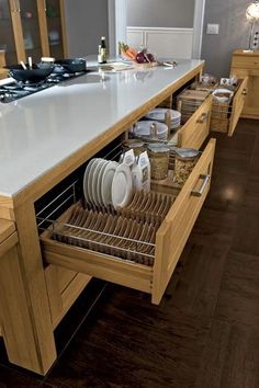 25 genius creative kitchen storage ideas ara home kitchen Home Decor Kitchen, Dream Kitchen, Kitchen Remodel, Kitchen Decor, Modern Kitchen, Home Remodeling, Kitchen Cabinets Decor, Home Kitchens, Kitchen Design