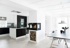 RAIS 500 wood burning stove - The Fireplace Company Open Kitchen And Living Room, Family Kitchen, New Kitchen, Kitchen Dining, Beautiful Kitchen Designs, Beautiful Kitchens, Foyers, Havens Kitchen, Interior Architecture