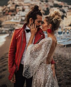 Matching bride and groom wedding up do anyone? Wedding Bells, Boho Wedding, Dream Wedding, Looks Adidas, Couple Photography, Wedding Photography, Couple Style, Alternative Wedding Dresses, Alternative Bride