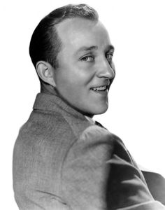 Bing Crosby -- laid back crooner, priest, wanderer Old Hollywood Stars, Old Hollywood Glamour, Hollywood Actor, Vintage Hollywood, Classic Hollywood, American Singers, American Actors, Bing Crosby, Paramount Pictures
