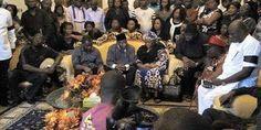 nodullnaija: GEJ Pays Condolence visit to Alamiyeseigha's famil...