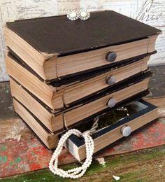 Livre boîte à bijoux, vintage, antique, recyclé, upcycled, boîte de rangement, steampunk, Harry Potter, Hunger Games, twilight