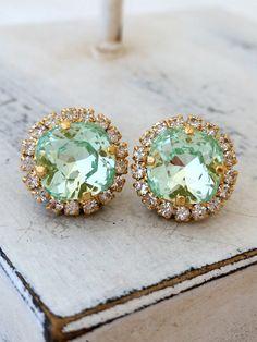 Mint crystal earrings | mint crystal studs | mint wedding | clear mint earrings by EldorTinaJewelry | http://etsy.me/1O1S73g | https://www.etsy.com/il-en/shop/EldorTinaJewelry?ref=hdr_shop_menu