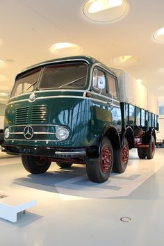 The Mercedes-Benz LP 333 was populary referred to as the millipede because of its two steered front axles. Mb Truck, Old Lorries, Mercedes Benz Trucks, Transporter, Busses, Cool Trucks, Lp, Volkswagen, Transportation