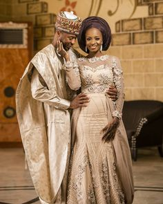Traditional Wedding Dress For Beautiful Bride - Dabonke : Nigeria Latest Gist and Fashion 2019 Nigerian Wedding Dresses Traditional, Traditional Wedding Attire, African Traditional Dresses, African Wedding Attire, African Attire, African Dress, Latest African Fashion Dresses, African Men Fashion, Nigerian Bride