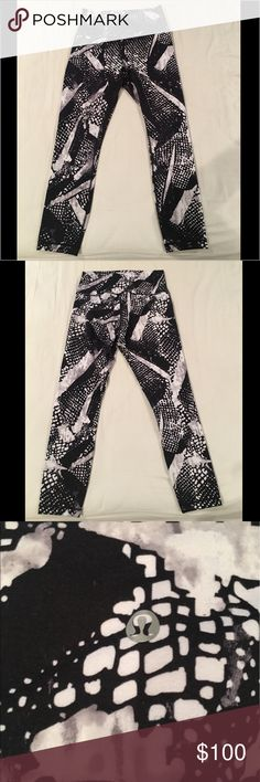 NWOT Lululemon printed leggings! Never worn super cute printed leggings!! lululemon athletica Pants Leggings