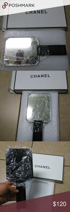 💋💋Chanel authentic vip vanity mirror💋💋 New Comes with original box chanel Makeup