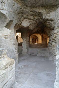 Abbaye de Saint-Roman, Beaucaire . Languedoc-Roussillon