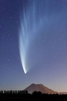 Comet McNaught.  I was lucky enough to catch it from the middle of the South Pacific on a research cruise in 2007.  Only visible in the Southern Hemisphere IIRC