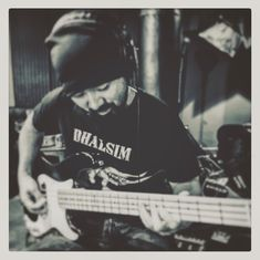 @poloyazaki laying down some bass
