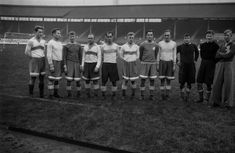 13th November 1945: Members of the Dynamo Moscow team before the game against Chelsea at Stamford Bridge, (left to right), Savounin, Nazaroff, Demendieff, Ilyin, Oroeshkin, Bekhtineff, Petroff, Archangelsky, Khomych, Mevedeff and their trainer Yakushin. (Photo by Keystone/Getty Images)